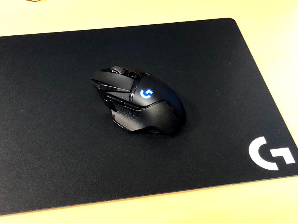 G502WL本体とマウスパッド